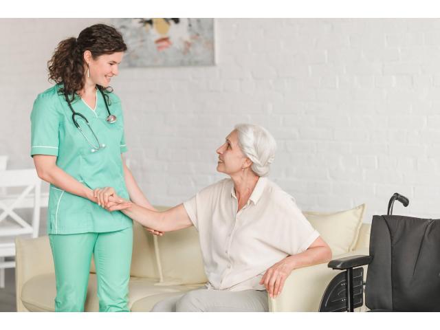 Evlerde ve hastanelerde yasli bakimi yapilir tel 0542 745 49 99